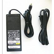 Adaptor FUJITSU AC FPCAC62W 19V 4.22A Componente Laptop