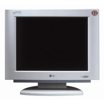LCD LG StudioWorks 560LS 15 inci, 1024 x 768 dpi Monitoare Second Hand