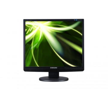 Monitor LCD Samsung Sync Master 943, 19 inci, VGA, DVI, 1280 x 1024 Monitoare Second Hand