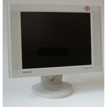Monitor LCD Samsung SyncMaster 151BM, 1024 x 768, 15 inci LCD, Zgariat pe Display Monitoare Second Hand