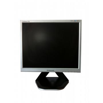 Monitor SAMSUNG SyncMaster 710N, 17 Inch LCD, 1280 x 1024, VGA Monitoare Second Hand