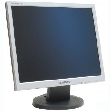 Monitorare Samsung SyncMaster 720n, 17 inci LCD, Fara picior, Pete fine Monitoare Second Hand