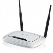 Router wireless N 300Mbps TP-LINK TL-WR841N, Cutie si firmware in limba romana! Retelistica