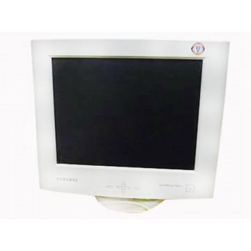 Samsung SyncMaster 520TFT LCD, 15 inci, 1024 x 768 dpi Monitoare Second Hand